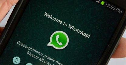WhatsApp, allarme privacy: chat criptate non sicure?