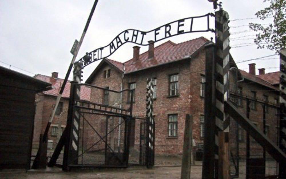 La storia di Lily Elbert, la donna che sopravvisse ad Auschw