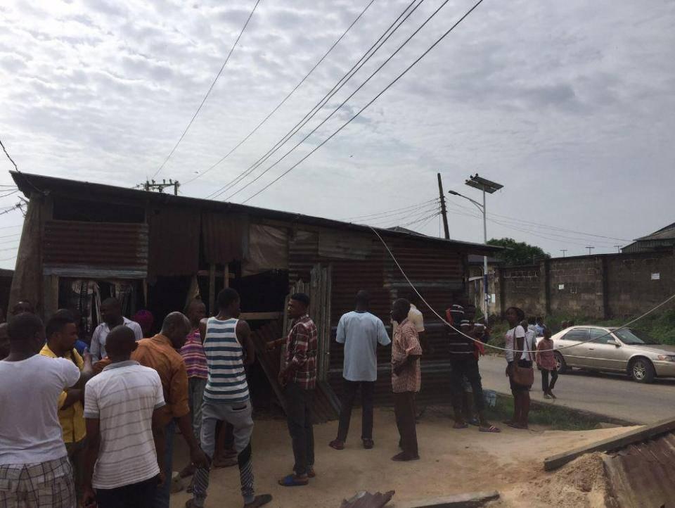 Nigeria, 30 tifosi folgorati da un cavo mentre guardavano United-Anderlecht