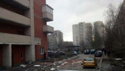 San Pietroburgo, due esplosioni in un palazzo