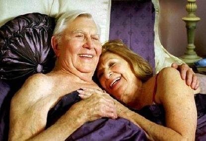 Un anziano over 75 su quattro fa ancora sesso