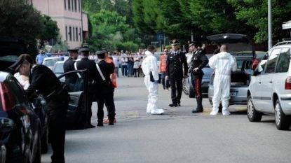 San Marino scopre compagno suicida, ruba pistola agli agenti e si spara