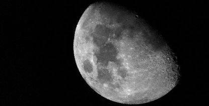 I misteri della Luna: acqua tra le rocce vulcaniche