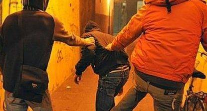 Persecuzioni a ragazzino, denunciati 11 bulli