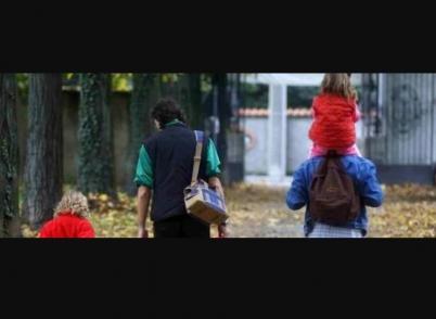 Udine famiglia sfrattata di casa chiede rifugio in for Casa moderna udine 2017 orari