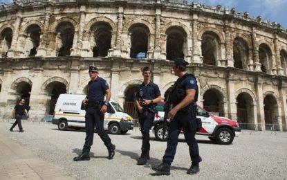 Francia, paura per un nuovo attacco terroristico, evacuata la stazione di Nimes