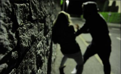 Roma. Africano prova a stuprare una donna nel parco di Colle Oppio
