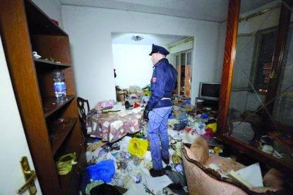 Torre del Greco: disabile 15enne in casa tra i rifiuti