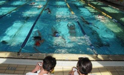 foto hot allenatore nuotatrice