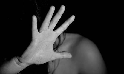 Rimini, studentessa di 20 anni denuncia stupro