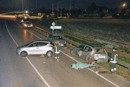 Travolto mentre aiuta la figlia con l'auto in panne: 56enne muore in provincia di Brescia
