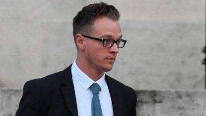Ergastolo all'istruttore gay che ha ucciso la figlioletta adottiva di 18 mesi