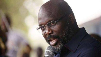 Presidenziali Liberia, ballottaggio tra l'ex calciatore Weah e Boakai