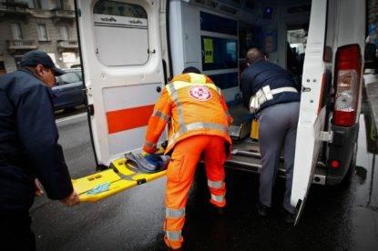 Bergamo, litigano in discoteca: 22enne investe due ragazzi con la macchina