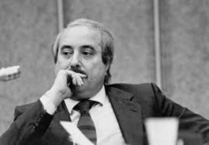 Mafia: giallo su appunto attribuito a Falcone su Berlusconi