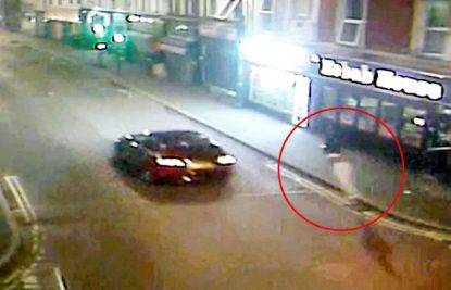 La moto contro un furgone Muore un uomo in via di Blasi