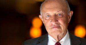 L'ex direttore della CIA James Woolsey