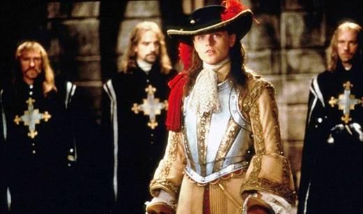 Nel film, in onda stasera, anche Gerard Depardieu, Jeremy Irons e John Malkovich