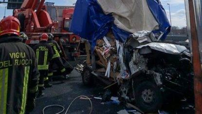 Incidente mortale in A14, camionista indagato per omicidio stradale colposo