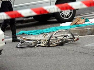 24enne ubriaco investe una 22enne in bici: lei è in gravissime condizioni