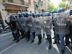 Polizia-antisommossa-donna