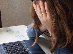 """Venezia, 13enne si getta dalla finestra della scuola. """"Vittima di cyberbullismo"""""""