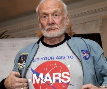 buzz astronauta