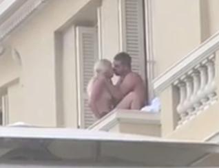 Coppia beccata a farlo nel balcone di un lussuoso hotel di ...