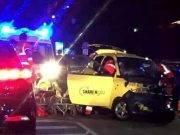 Suv si schianta contro auto elettrica per il car sharing: l'incidente è fatale per una donna 42enne