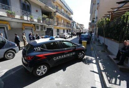 Roma choc, trovato 22enne morto in casa sua: sulla schiena una scritta col pennarello