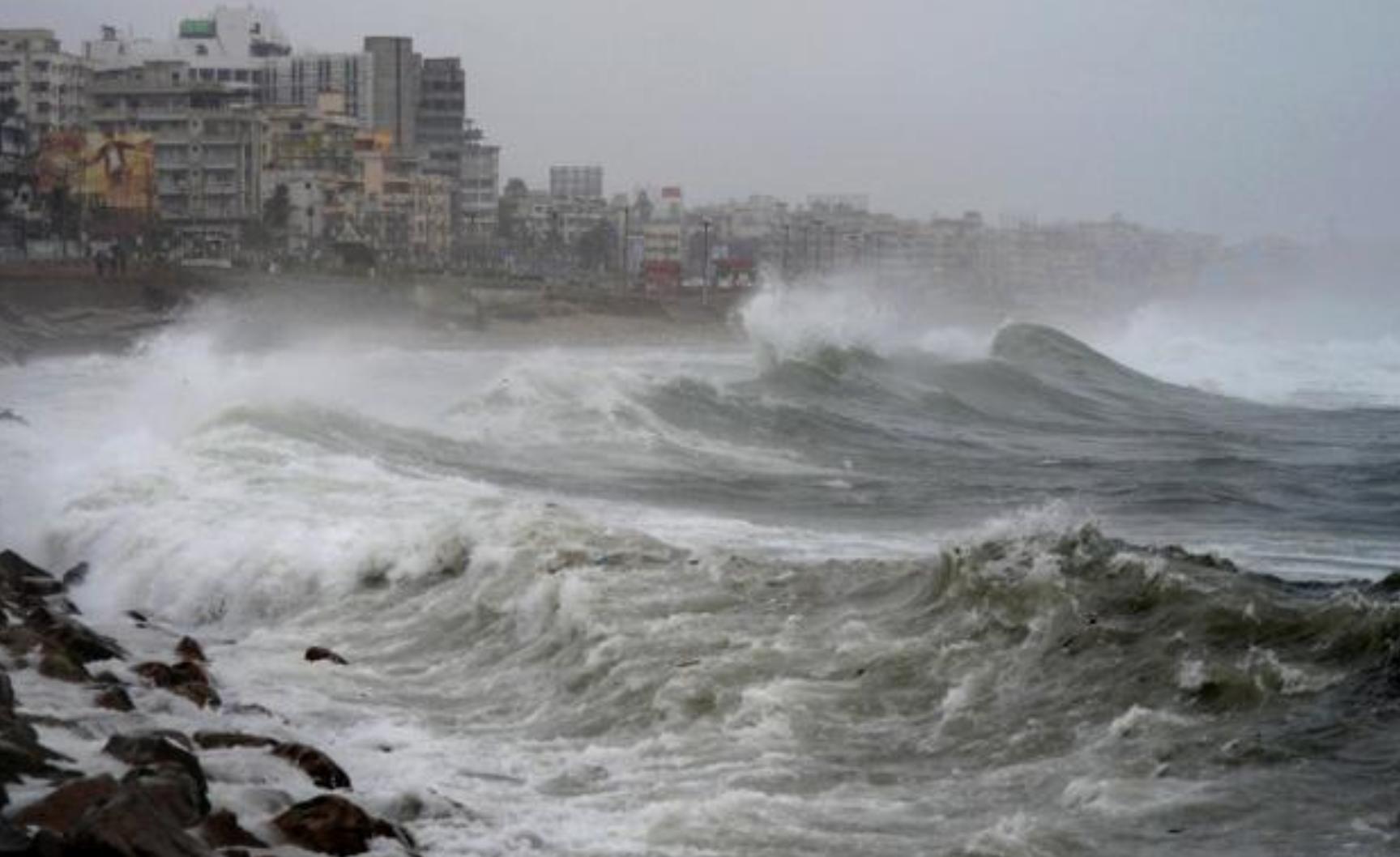 Tempesta di sabbia e pioggia uccide oltre 100 persone, centinaia i feriti, è strage
