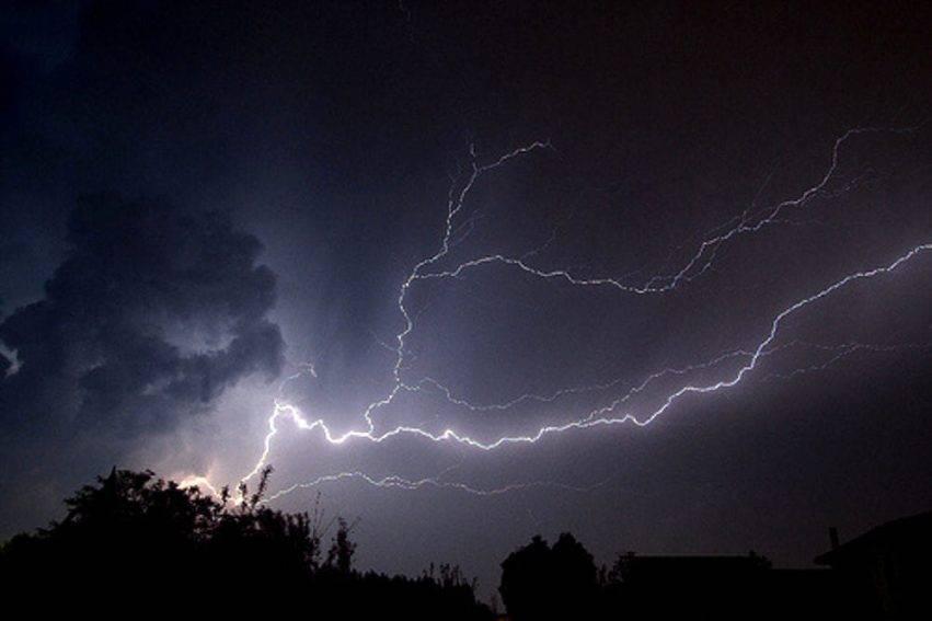 Allerta meteo: codice rosso dalle 18 di oggi. Attesi forti temporali
