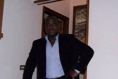 """Milano, ucciso senegalese in una esecuzione. Lascia figlia di 11 anni. Moglie: """"È un crimine razziale"""""""