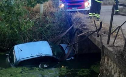 Tragedia a Latina, finisce fuori strada con l'auto: muore una 20enne, grave la sua amica