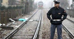 Tre giovani travolti ed uccisi da un treno: erano sui binari a fare dei graffiti