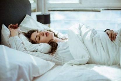 Volete vivere a lungo? Dormite di più nei weekend! Uno studio scientifico ci dimostra il perché