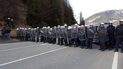 """Rassegna 4.7. Migranti, l'Austria pronta a chiudere il Brennero """"Proteggiamo i nostri confini"""""""