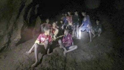 Rassegna 7.7. Squadra bloccata nella grotta, allarme ossigeno: le pioggia sono in arrivo