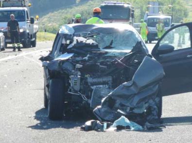 Tragica carambola di auto in autostrada, muore un 27enne, 4 feriti due dei quali gravissimi