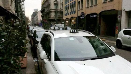 tassista ha aggredito poliziotto a Milano
