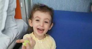 """""""Elisa sta malissimo"""". Il grido d'aiuto disperato del padre della piccola malata di leucemia"""