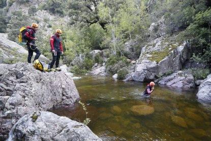Corsica choc: onda anomala nel canyon, quattro morti, anche un papà con la sua bambina