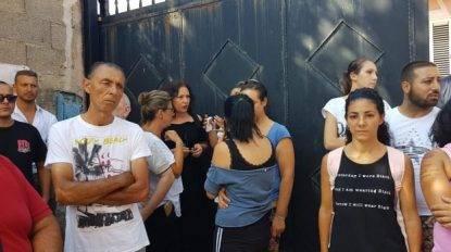 """Famiglie palermitane senzatetto occupano le case destinate ai rom- """"Noi aspettiamo da anni una casa"""""""