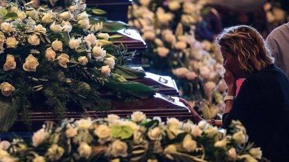 Funerali di Stato, applausi per il Governo, fischi al Pd. Lunedì consegna dei primi 45 alloggi agli sfollati