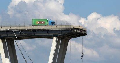 """Ponte Morandi, la Procura stringe il cerchio, 10 nomi sotto la lente: """"Ecco chi sapeva del ponte"""""""