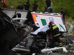Ponte crollato, i morti sono 35, anche un bimbo. Dispersa anche una famiglia che andava in vacanza