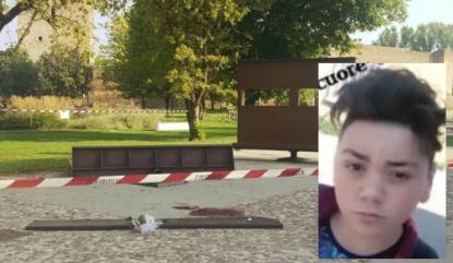 Rassegna Stampa 12.8. Matteo, 14 anni, muore schiacciato di fronte agli amici da un monumento