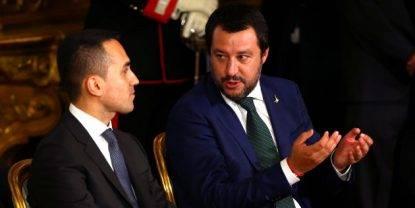 L'estate dei vice premier: Salvini vince la lotta mediatica anche sotto l'ombrellone