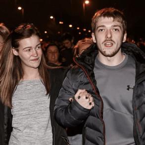 A 4 mesi dalla morte di Alfie Evans i genitori ritrovano il sorriso: è nato il secondo figlio della coppia, Thomas