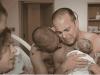 Bruxelles, la scioccante fiera dell'utero in affitto dove compare un figlio: 150mila euro per un bimbo
